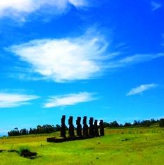 モアイ像が並ぶ絶海の孤島イースター島(チリ)