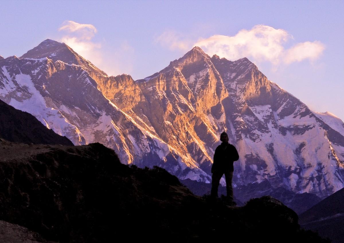 憧れの世界最高峰エベレストを望む!