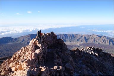 スペイン最高峰Mt.テイデ(3,718m)登頂と花咲くカナリア諸島