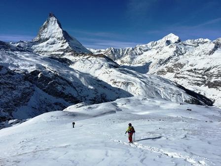 雪に覆われて迫力を増すマッタ―ホルン