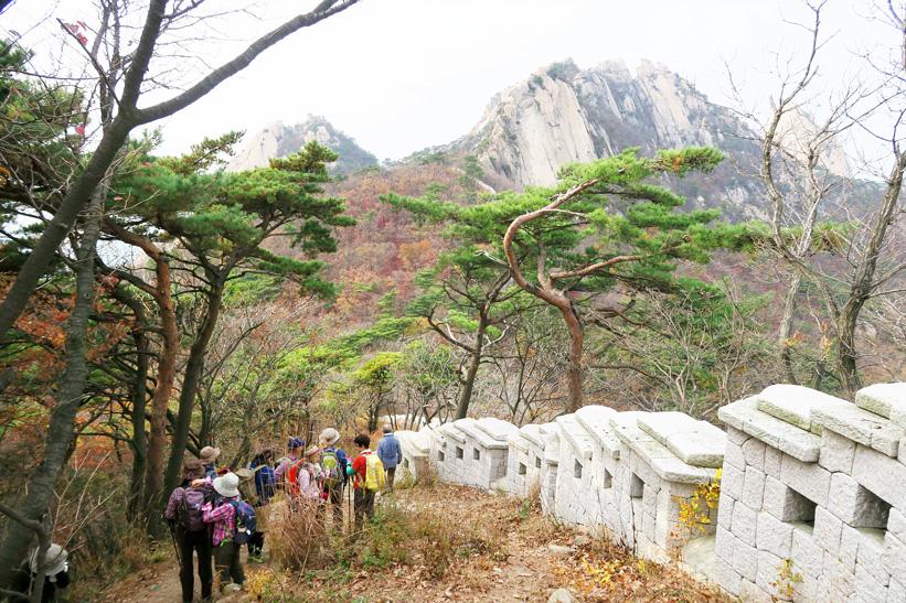 北漢山の周囲をめぐる城壁