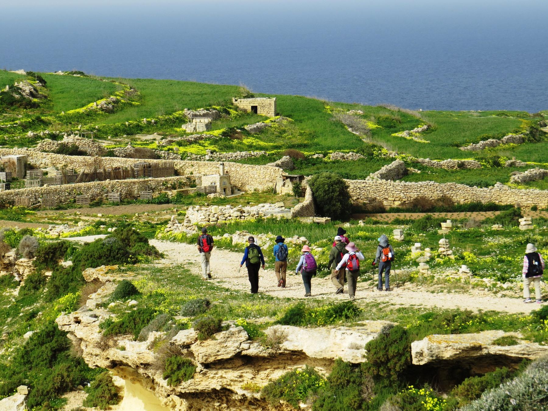 マルタ諸島のハイキング