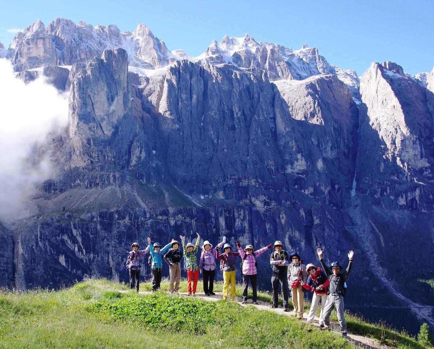 6月26日出発「チロル・ドロミテ満喫ハイキング、絶景の山小屋宿泊とベネチア 13日間」