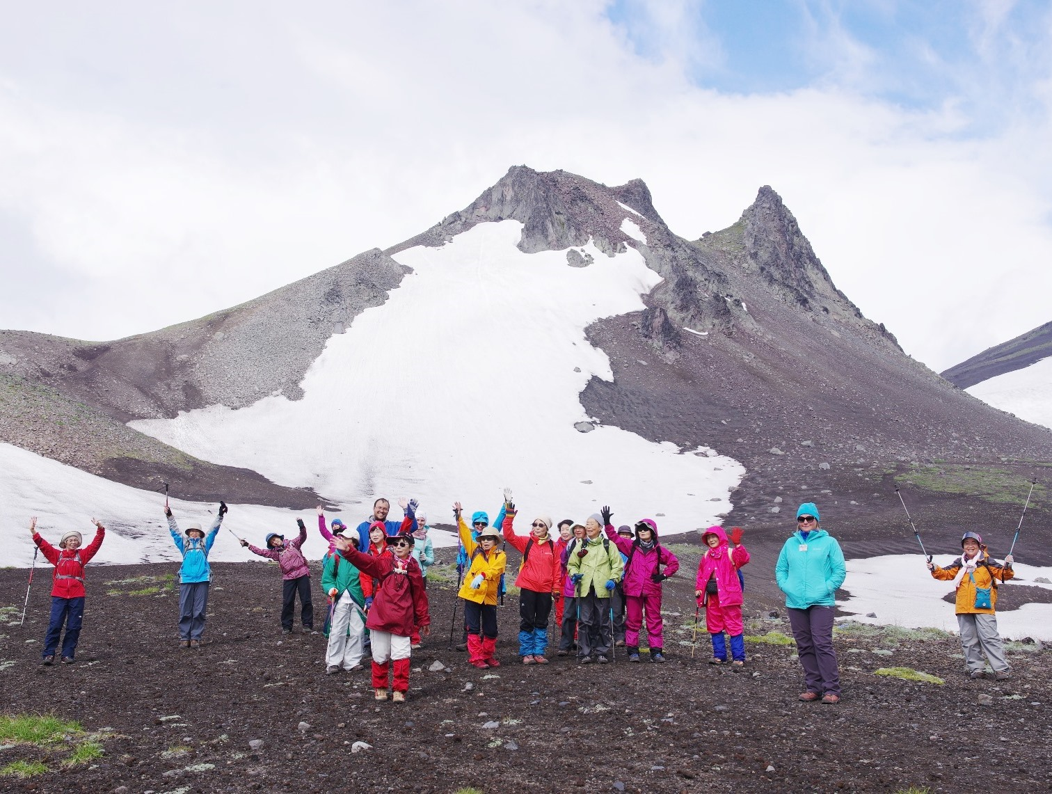 7月14日出発「カムチャッカ半島フラワー・ハイキングと世界遺産の火山群展望 5日間」