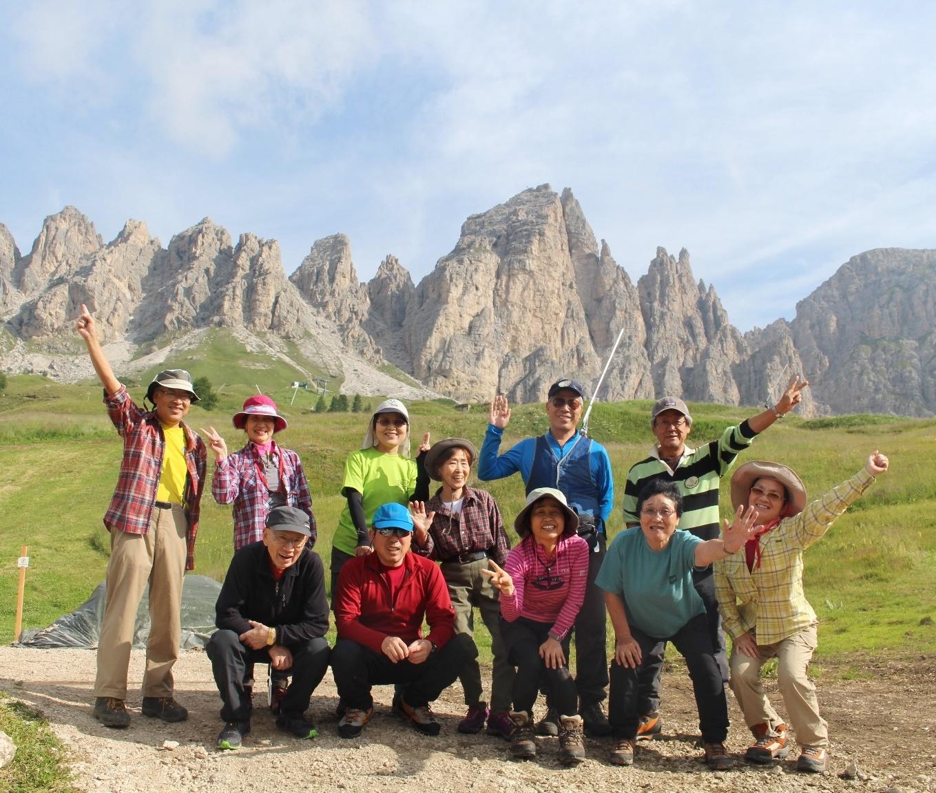 7月18日出発「緑豊かなチロルの美しい村々とドロミテの岩峰展望ハイキング 9日間」