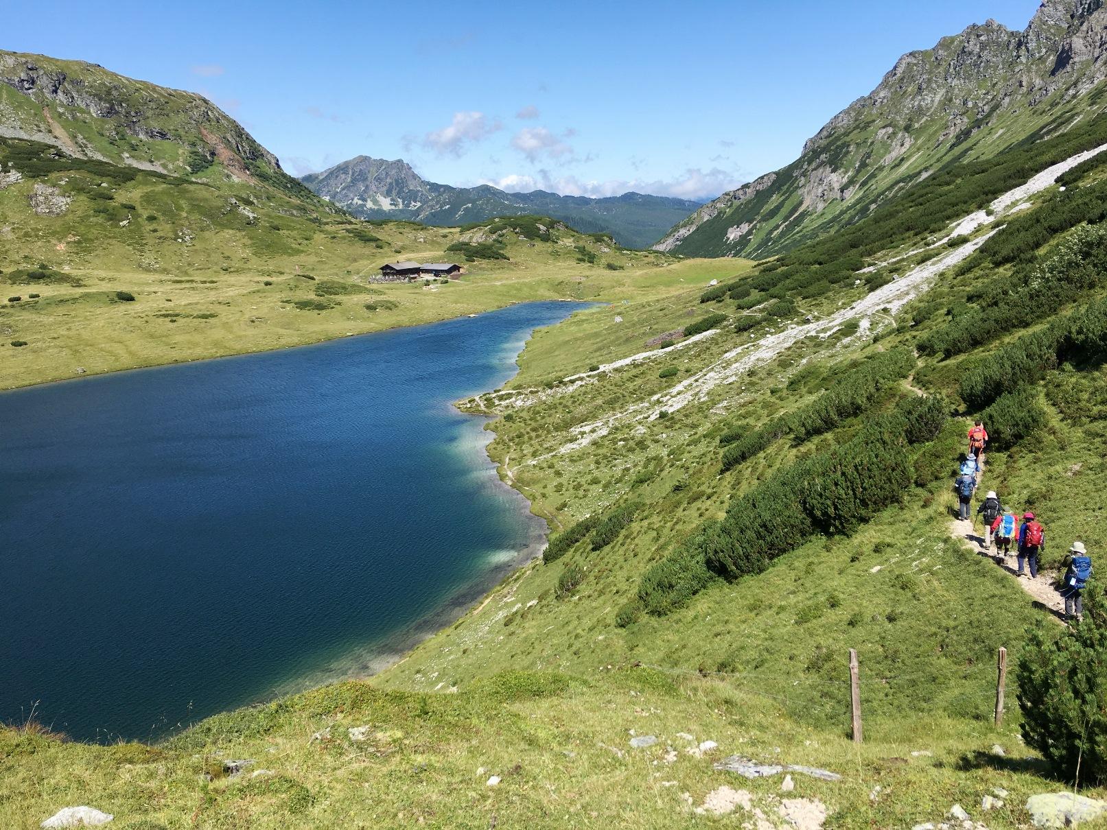 湖と緑が美しいシュラードミング