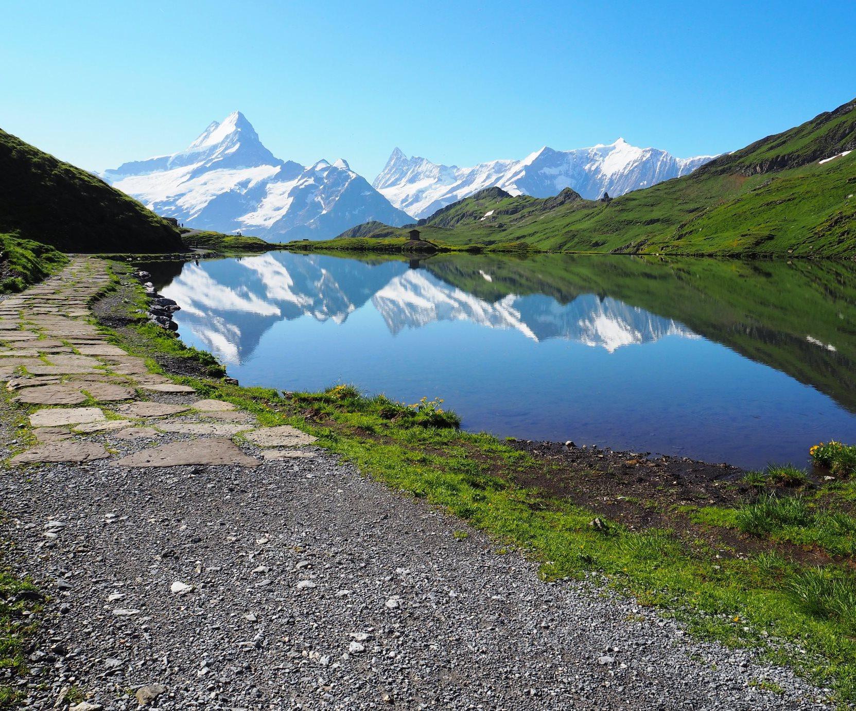 7月16日出発「スイス・アルプス・パノラマ・ハイキングと憧れのヘルンリ小屋訪問と3,400m峰登頂 9日間」