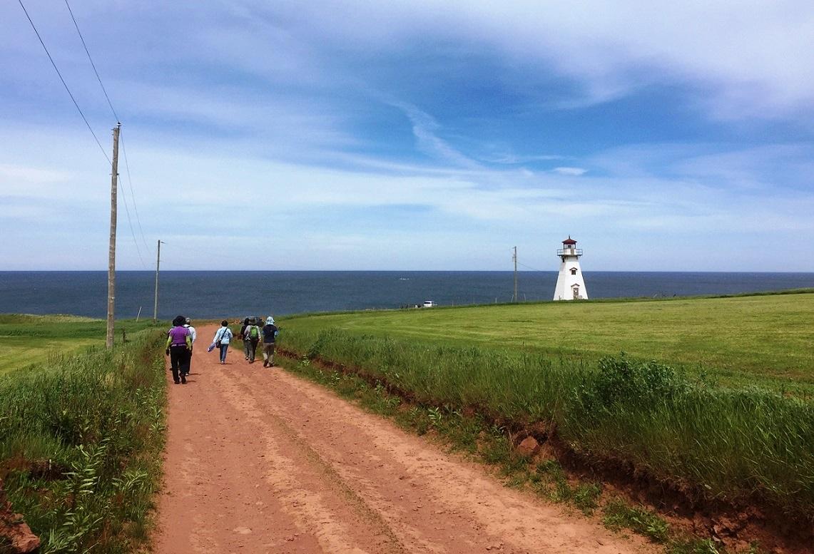 島の絶景ポイント、ケープトライオン灯台へ