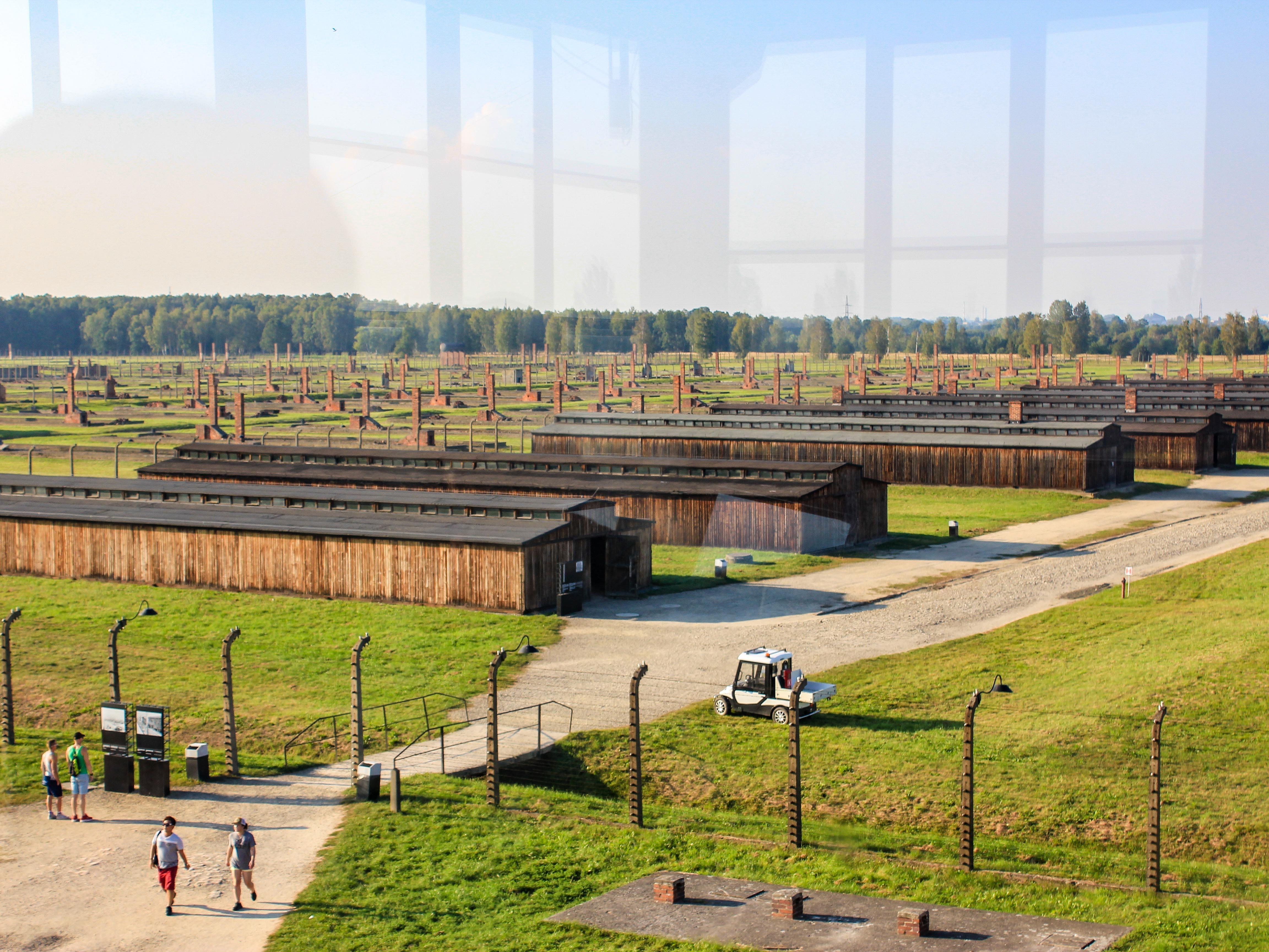 アウシュビッツ収容所