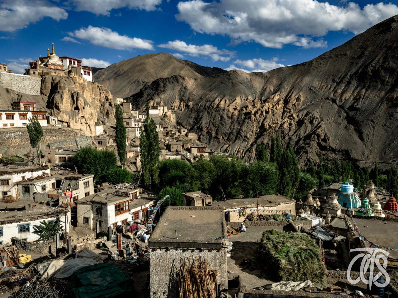 チベット文化が色濃く残る