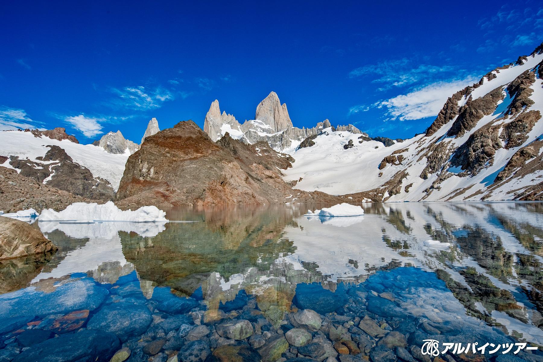 【今日の絶景】 ロストレス湖から望むフィッツロイ山群