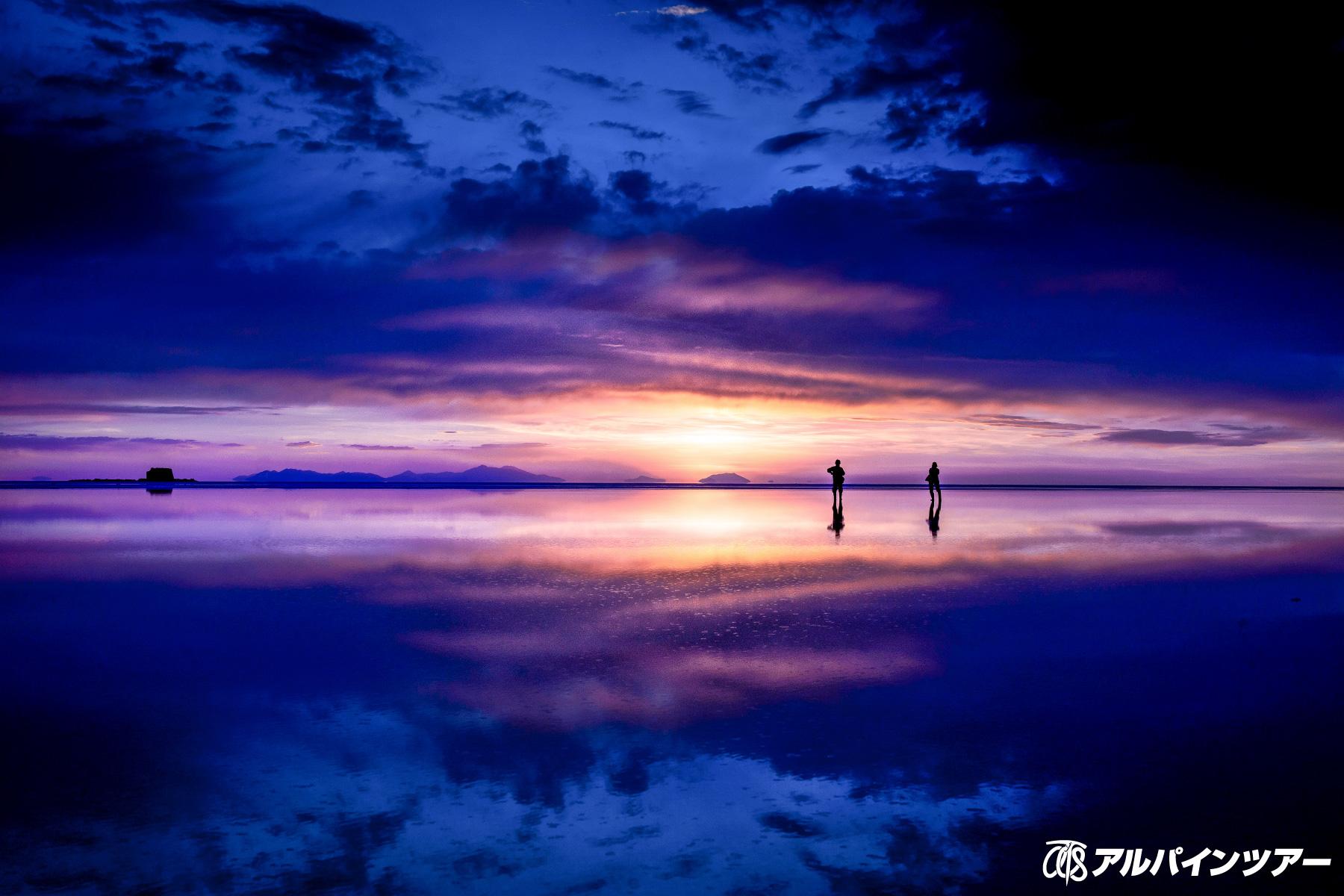 【今日の絶景】 雨季のウユニ塩湖に沈む夕陽
