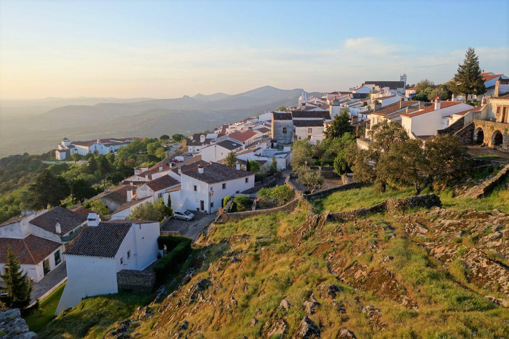 ポルトガル南部ハイキングとアレンテージョの鷲の巣村 10日間