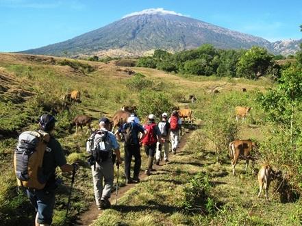 ロンボク島最高峰リンジャニ山登頂 6日間