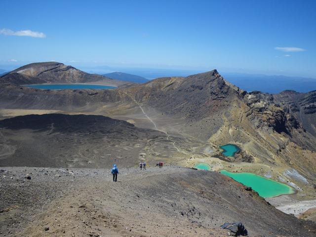 【年末年始に行く!】 NZ北島の世界遺産を歩く トンガリロ国立公園ハイキング 7日間