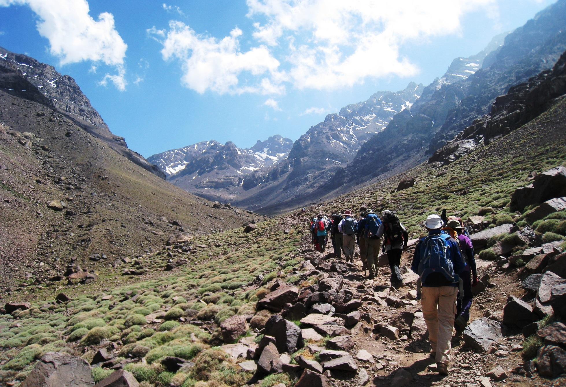 モロッコ最高峰ツブカル山登頂と世界遺産マラケシュ 8日間