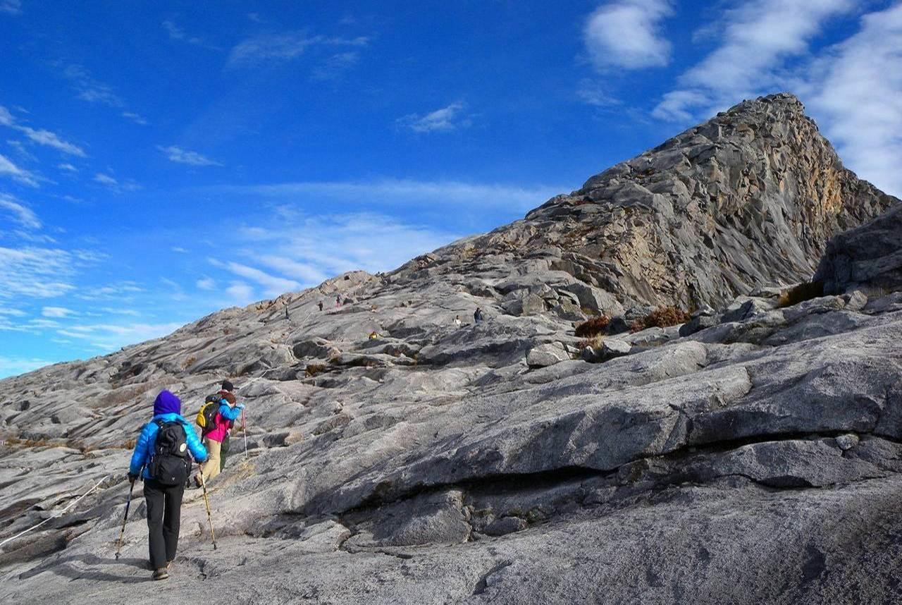 【祝日利用で行く】 マレーシア最高峰Mt.キナバル(4,095m)登頂 5日間