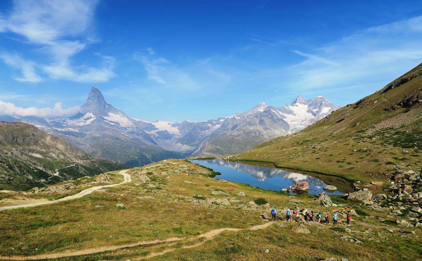 スイス絶景の2つの山小屋トレッキング  8日間