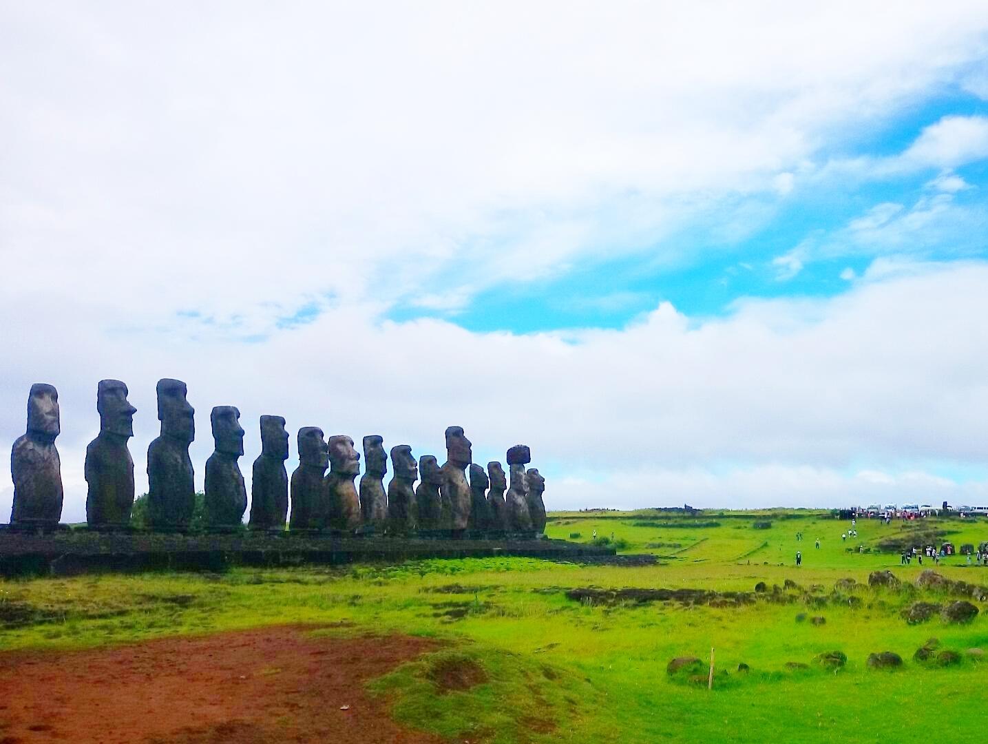 南太平洋の楽園タヒチ・ハイキングと絶海の孤島イースター島 8日間