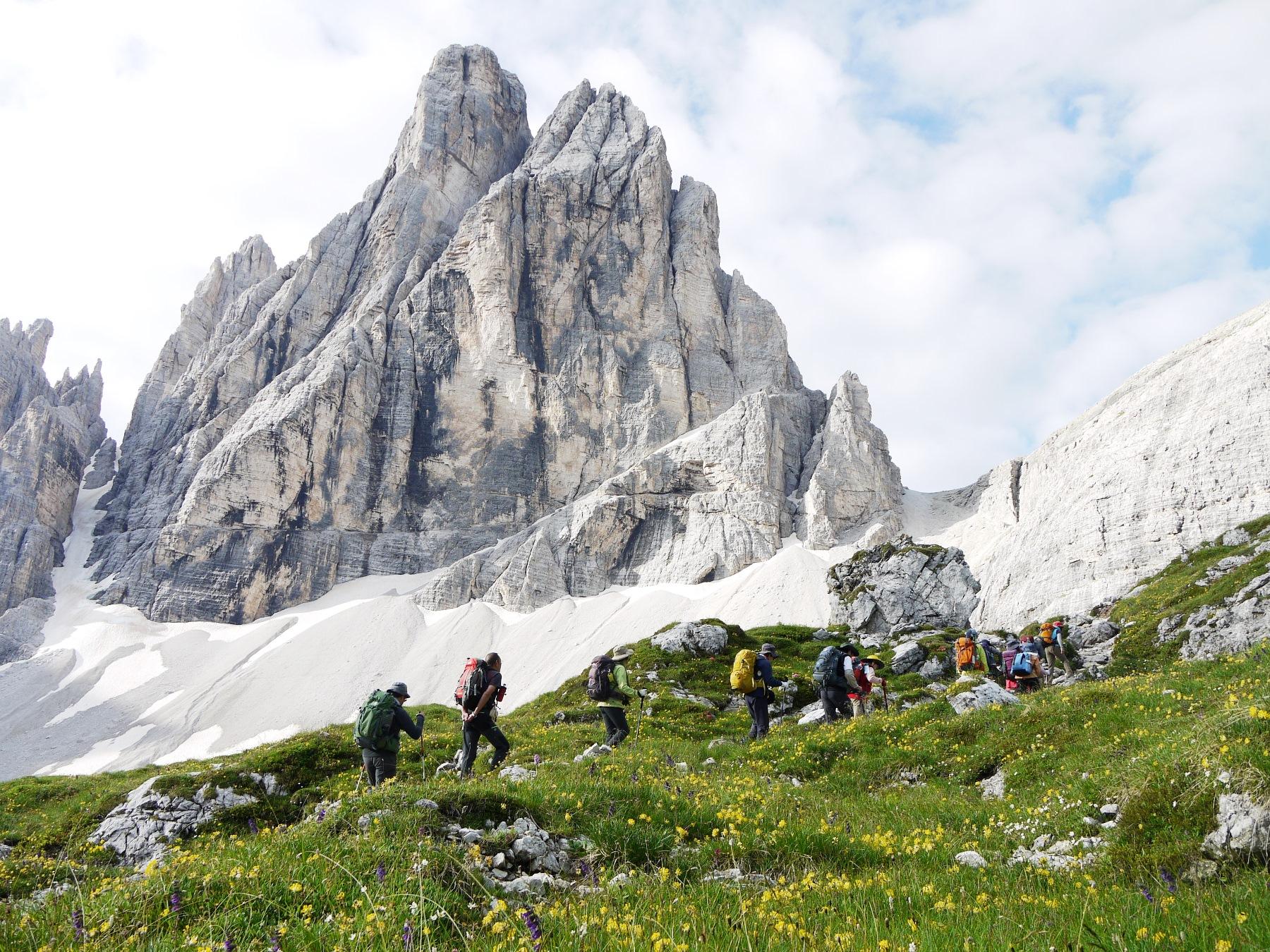 絶景のドロミテ山群 山小屋トレッキング・スペシャル 10日間