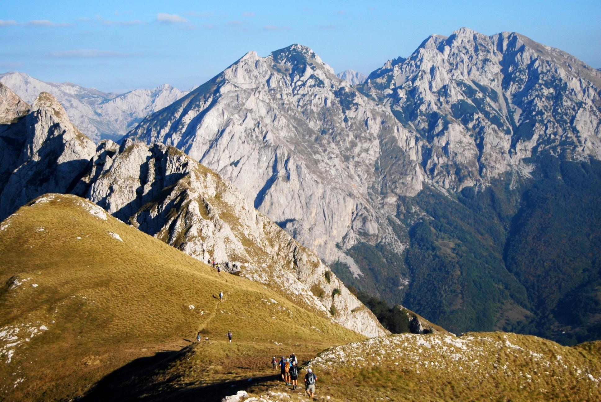 ボスニア・ヘルツェゴビナ最高峰登頂と世界遺産モスタル 9日間