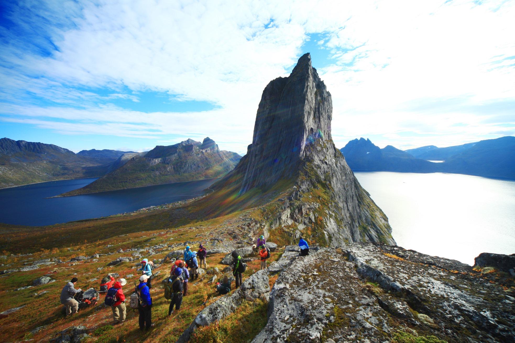 【催行間近・大募集中】9月6日出発 絶景のセニヤ島ハイキングとトロムソ 8日間