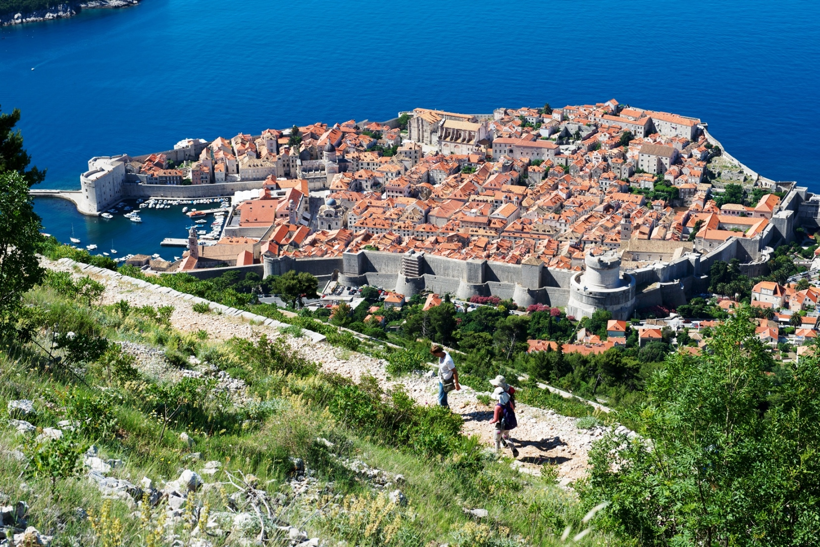 秋のクロアチア・アドリア海沿岸登山とハイキングの休日 9日間