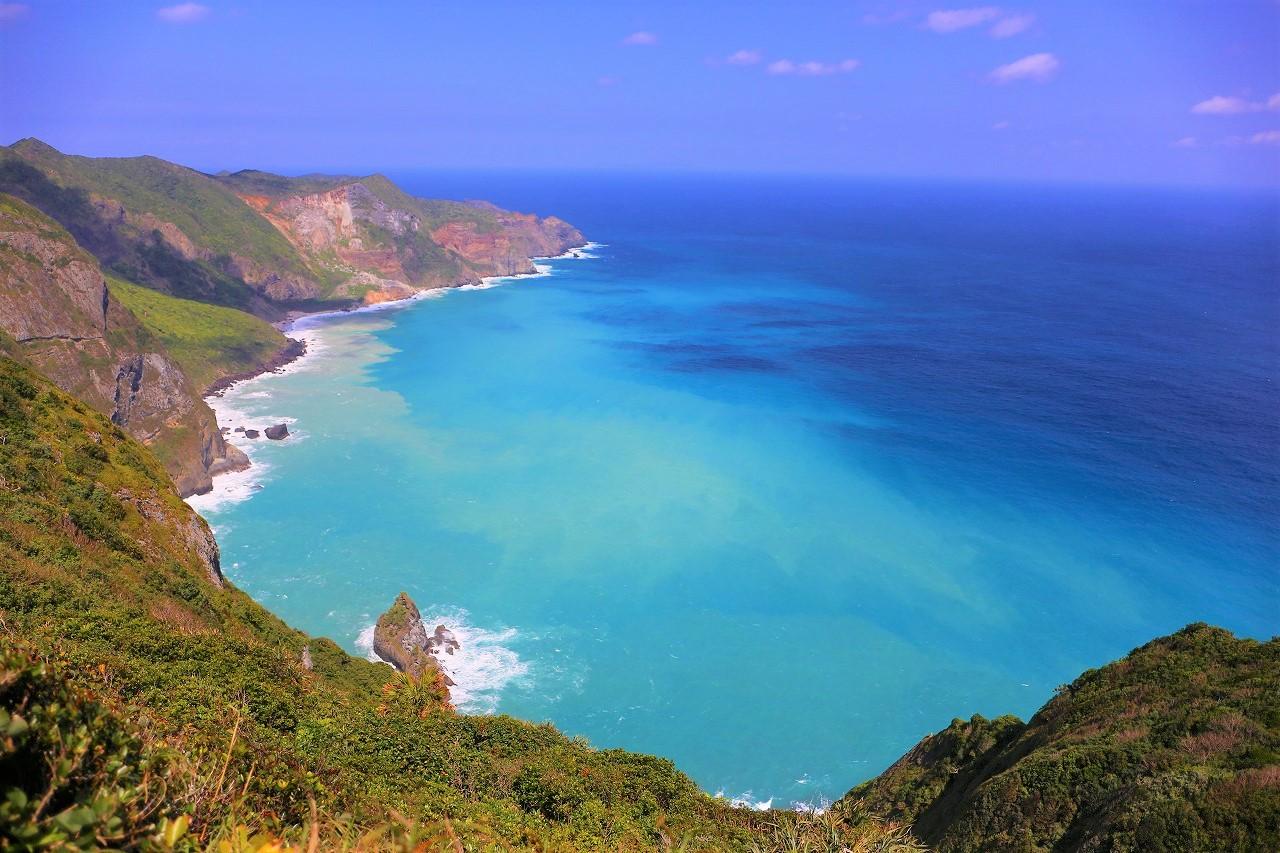 世界的に貴重な大自然を訪れる 秘境・小笠原諸島ハイキング 6日間