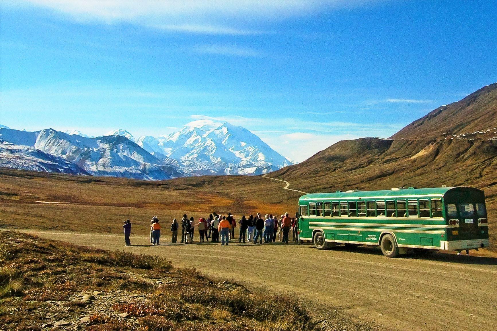 """伝説のロッジ""""ベツルス・ロッジ""""滞在とデナリ国立公園探訪&アラスカ縦断 11日間"""