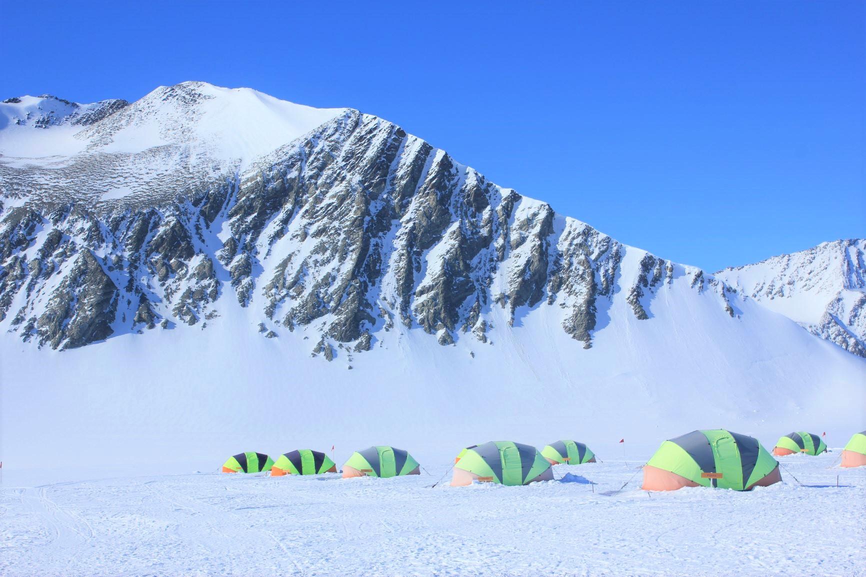 【創業50周年記念特別企画】地球最南端・南極点到達の旅 16日間
