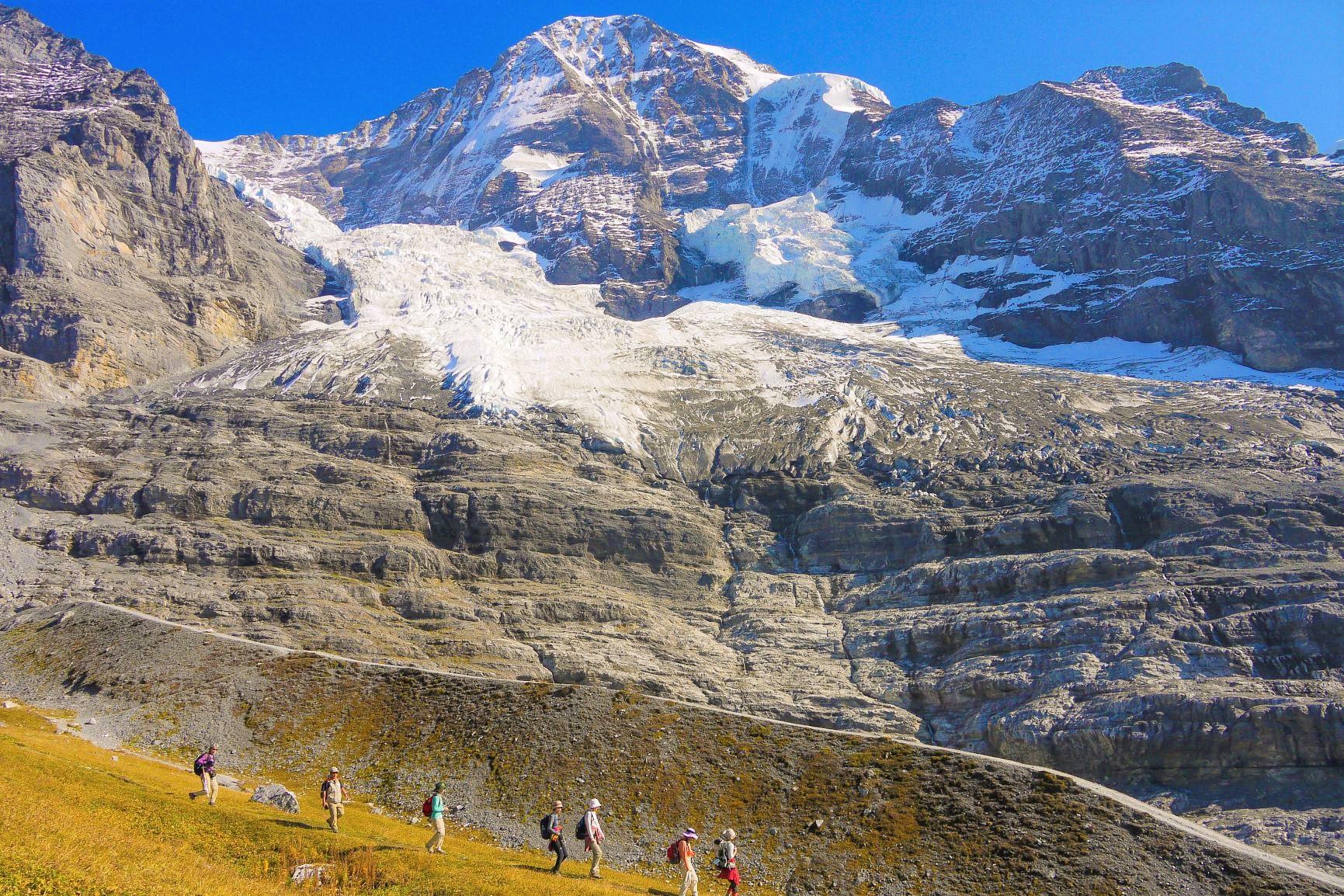 【創業50周年記念特別企画/ベスト・オブ・ジ・アルプスAコース】9月1日出発 連泊で楽しむスイス・アルプスゆったりハイキング 9日間