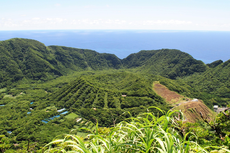 【福岡発特別企画】秘島・青ヶ島トレッキングと八丈島富士と三原山