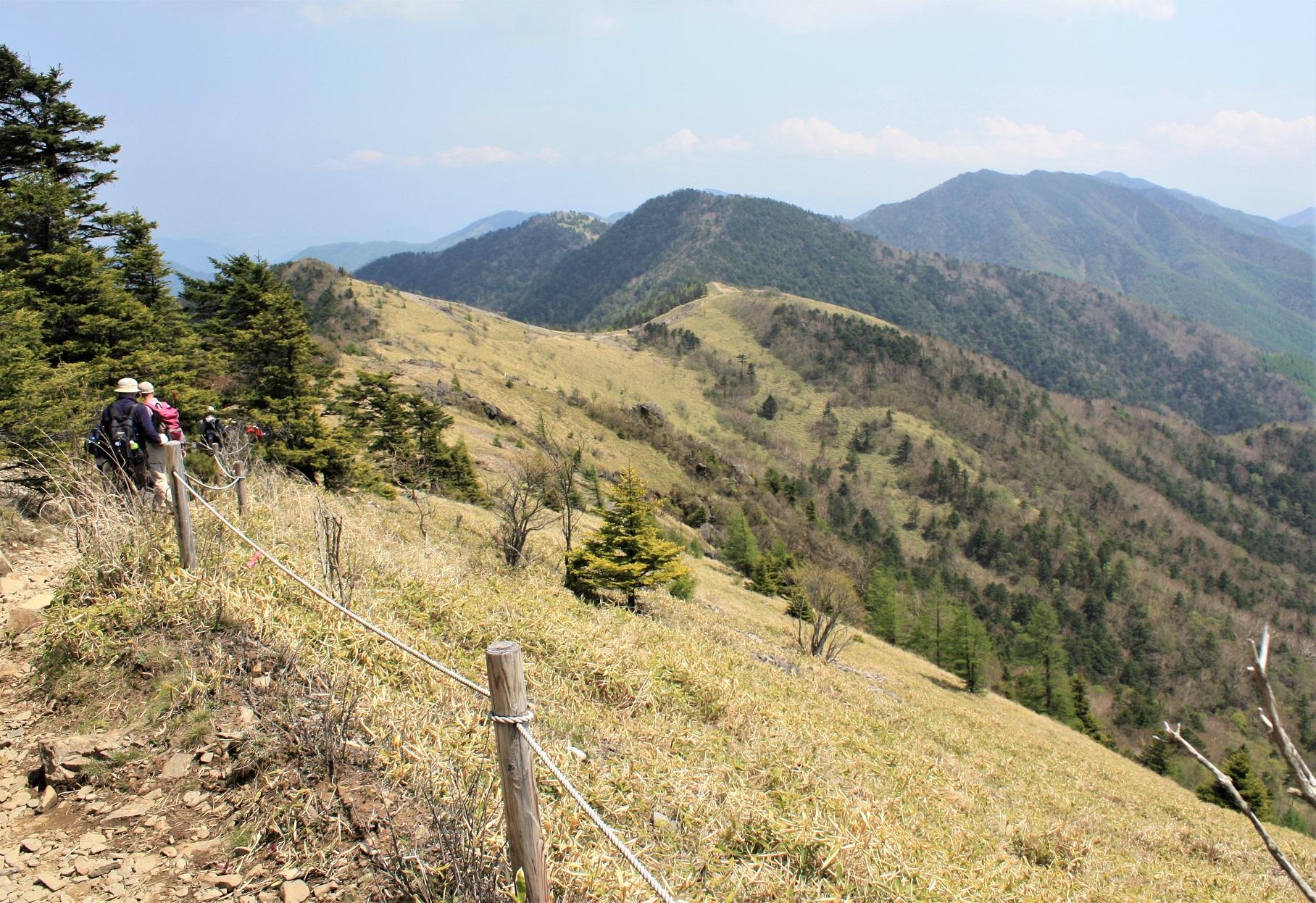 大菩薩嶺ハイキングと富士屋ホテル <br>夏の甲斐を楽しむ・フルーツ狩り 2日間