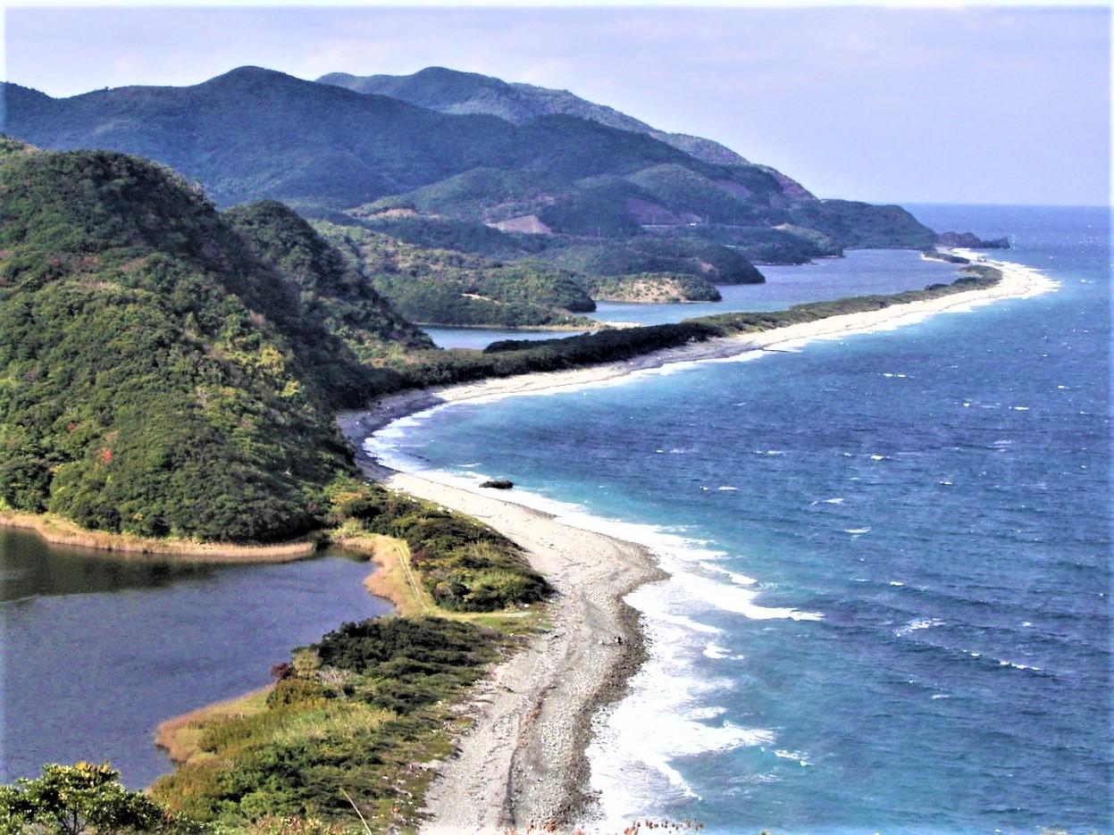 【福岡発着】薩摩・甑島列島2つの一等三角点登頂ハイキングと 3島縦断・絶景の展望所巡り3日間