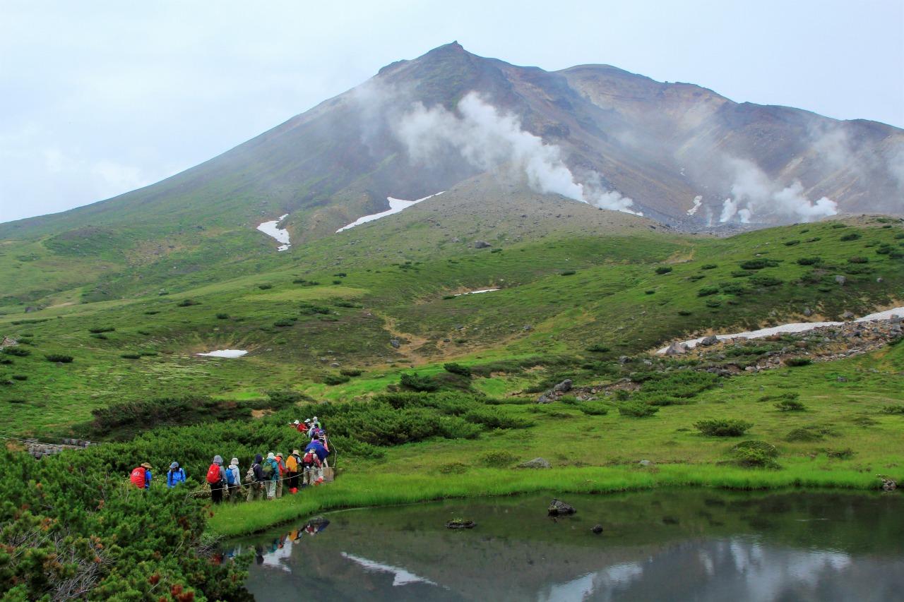 大雪山縦走フラワートレッキングと<br>十勝岳&美瑛の丘ハイキング 3日間