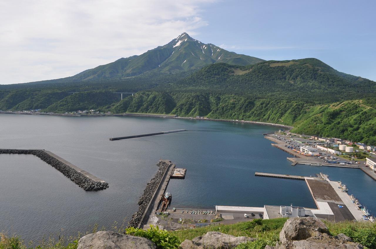 利尻島3連泊で登る、日本最北端の「深田百名山」<br>ゆっくり利尻山登頂 4日間