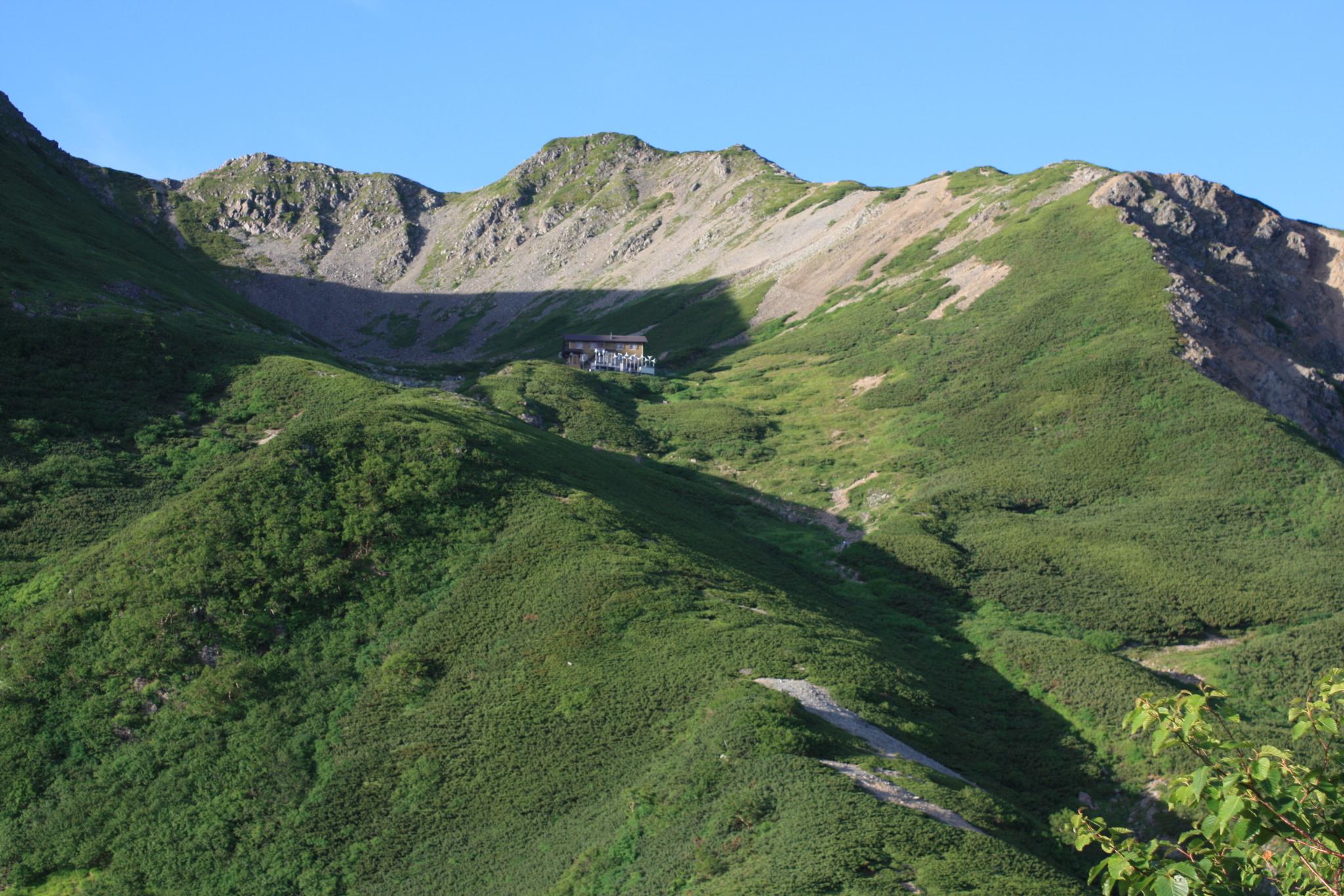 「南アルプスの女王」山頂にカールを抱く優美な山<br>南アルプス 仙丈ヶ岳 2日間