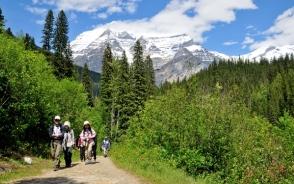 Mt.ロブソンの山麓に2連泊し、ハイキングへ