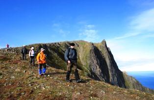 フースフィレ山頂(632m)からの下り