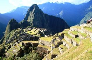 マチュピチュ背後に聳えるワイナピチュ峰に登頂