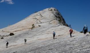 巨大な一枚岩、レンバートドーム