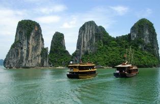 ベトナムを代表する景勝地ハロン湾