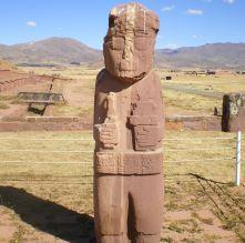 ティワナク遺跡 石像