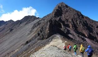 トルーカ山北峰(4,620)に登頂