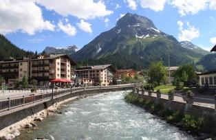 """""""ヨーロッパで一番美しい村""""レッヒ"""