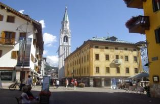 ドロミテの女王とよばれるコルチナの街