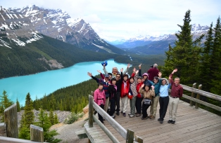 ハイキングはもちろん、観光スポットにもご案内