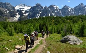 テンピークスの展望が素晴らしいラーチバレーハイキング
