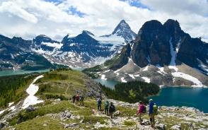 毎日変化に富んだハイキングコースへご案内