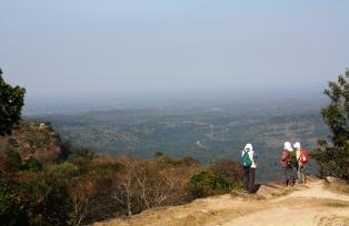 断崖からの絶景が広がるプレア・ヴィヘア